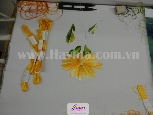 tranh-theu-tang-nguoi-nhat-03