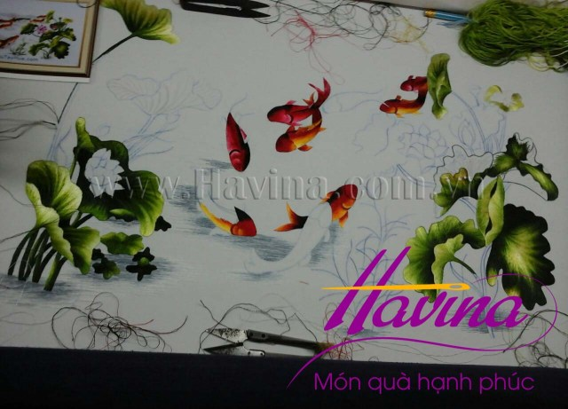 tranh-theu-ca-chep-hoa-sen-01