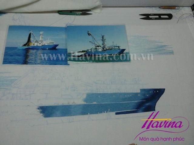 Tranh-theu-con-tau-03